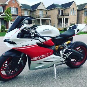 2015 White Ducati Panigale 899