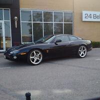 2004 Jaguar XKR Coupe (2 door)