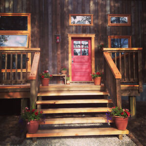 Beautiful Timber Frame Studio Home on 5 acres