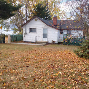 WATERFRONT LOCATION: City Services ! $199,900