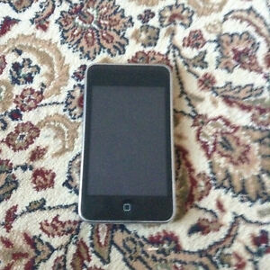 Great Condition 32GB IPod Touch 3rd Gen.