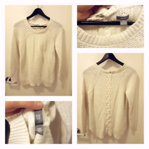 091b1462025b Queens Sweater   Buy New & Used Goods Near You! Find Everything from ...