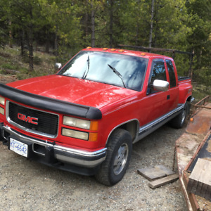 For parts, 1994 GMC, 1/2 ton, 6.5 turbo diesel, 4X4, auto,