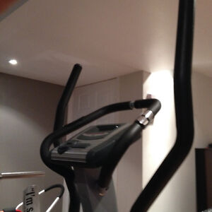 Home Gym Elliptical Trainer / Machine - KEYS Cardiomax 707el