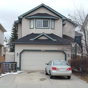 4bedrooms on upstair, pet friendly home at Hidden Valley NW