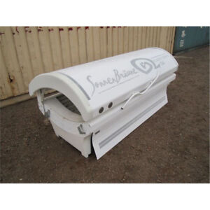 Tanning canopy bed