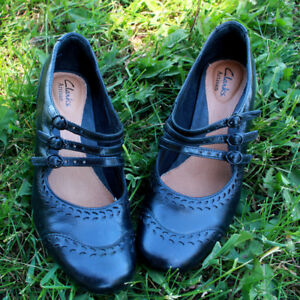 Clarks Artisan Mary-Jane Leather Shoes - Size 6.5