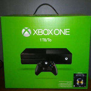 XBOX ONE 1TB USED CONSOLE, 1 CONTROLLER, CABLES, 5 GAMES