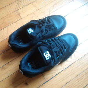 DC women's shoes - Size 8 US (40.5 EUR) - very good condition