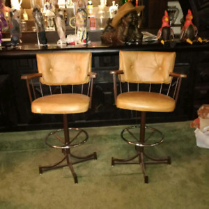 Leather bar stools/chairs