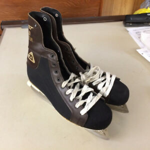 DAOUST Road Runner Ice Hockey Skates (NHL Approved)