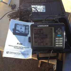 Lowrance x65 fish finder