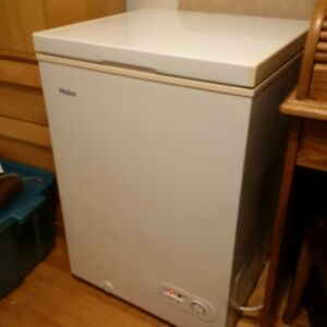 Haier small freezer - petit congelateur
