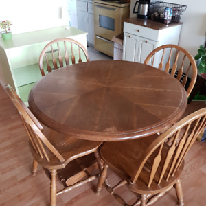 Wooden kitchen table and chair set for 4