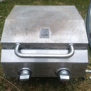 Portable Gas Grill - 2 burners - independent controls