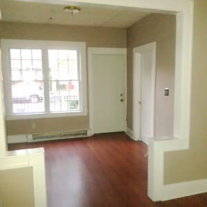 Beautiful 2 bd units available from $695-$875 plus utilities Windsor Region Ontario image 1