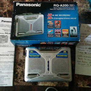 Cassette Walkman w built in speaker Panasonic RQ-A200. With box.