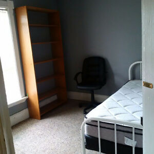 1 room left in STUDENT home. All inclusive!