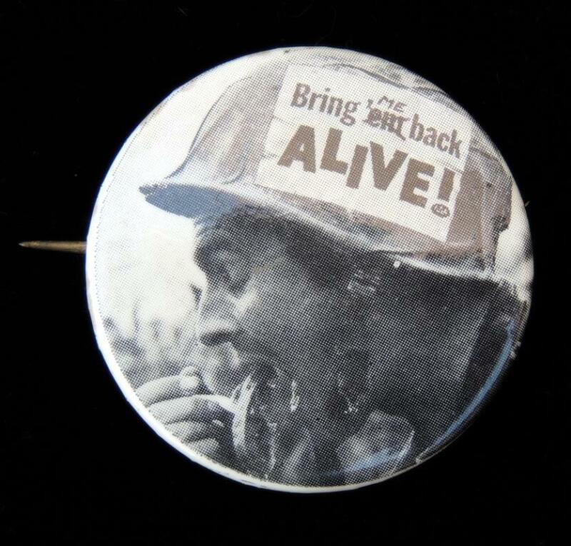 Bring Me Back Alive Anti-Vietnam War Cause Protest PINBACK Button 1968 Vintage