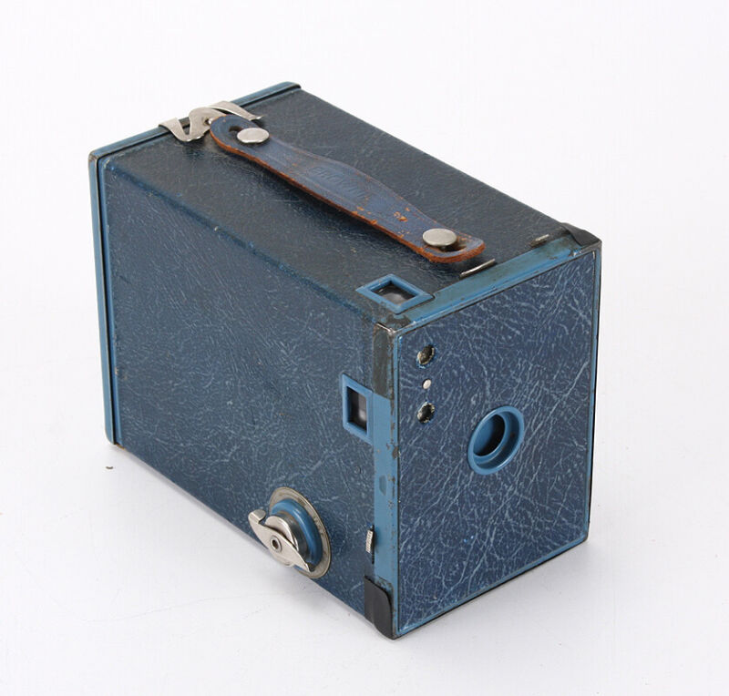 BLUE KODAK NO. 2 BROWNIE MODEL F, SOME ISSUES/212169