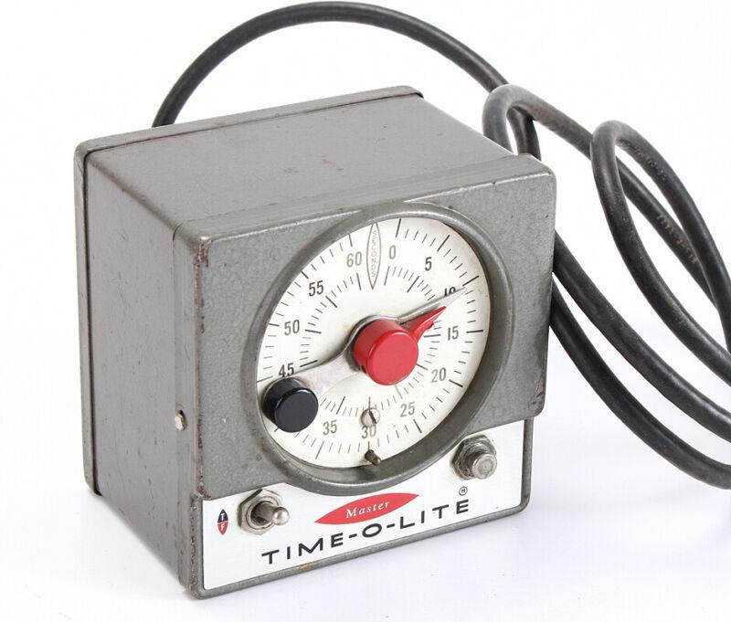 INDUSTRIAL TIMER DARKROOM TIME-O-LITE MODEL M-59/202110