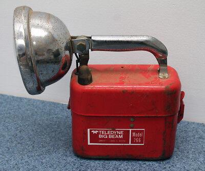 Vintage Teledyne Model 266 BIG BEAM Red Body Metal Battery Operated (Battery Teledyne Big Beam)