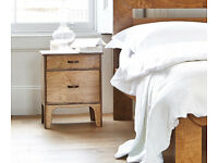 2x Warren Evans oak wood bedside tables, 2 drawers, beautiful handles and finish