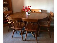 Pine Table and 6 chairs Drop leaf Table Excellent Condition