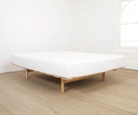 Warren Evans 'Island' double bed base (4'6)