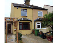 Semi-Detached Victorian House (Freehold) 3 Bedrooms, 2 Bathrooms, 3 Receptions