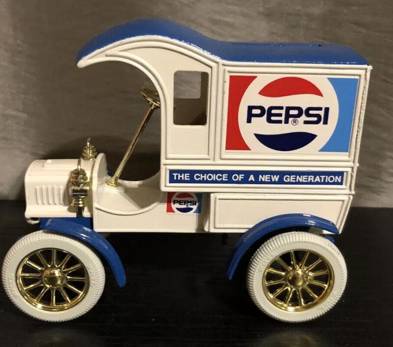 Ertl Pepsi Cola 1905 Delivery Car Bank NOS