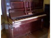 ANTIQUE VINTAGE PIANO