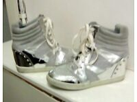 TRAINER BOOT SILVER STUDDED SIZE 6 GORGEOUS
