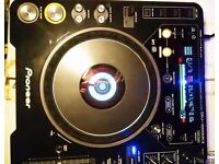 CDJ 1000 MK3. Boxed, low use, very good condition. With cover. 2 available