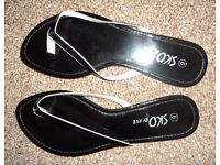 Women's/ladies black summer beach sandals/shoes/flip flops