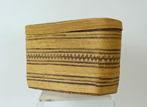Very fine Makah  Indian rare Lidded Rectangular basket c. 1900