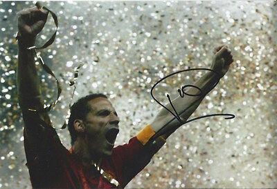 RIO FERDINAND - Hand Signed 12x8 Photo - Man Utd Manchester United - Football