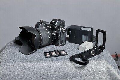 Nikon Z7 FX 45.7MP Mirrorless Camera - Black (Kit with 24-70mm F/4 Lens)