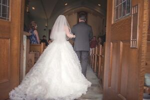 White wedding dress Peterborough Peterborough Area image 5