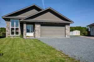 House for Sale (4607 Beaudelaire Crt, Val Therese)