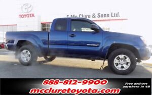 2015 Toyota Tacoma SR5 WINTER TIRES INCLUDED