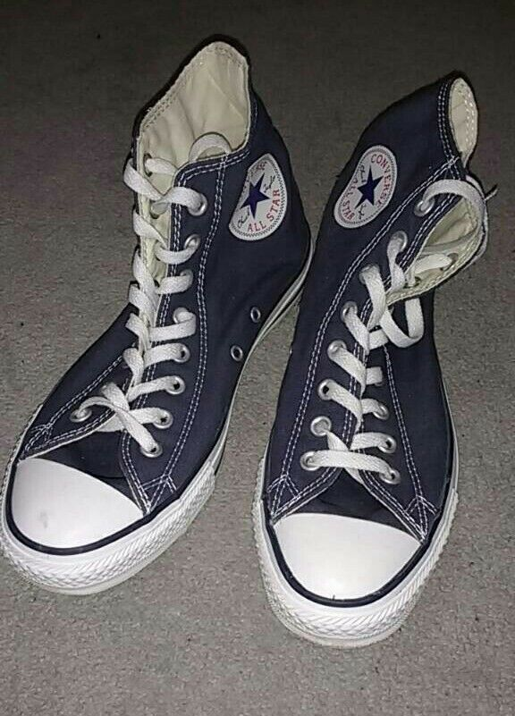 Blue canvas Converse All Star sneakers, size 8