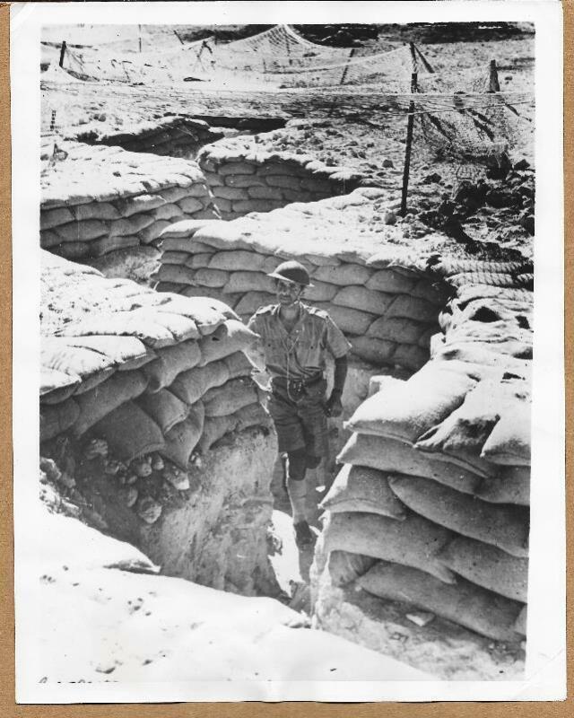 1941 British Communication Trench in Africa Original 7x9 Press Photo