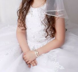 REDUCED Carriages & Castles Communion Bridesmaid Flowergirl gala dress and Veil age 8/9/10 £140 ono