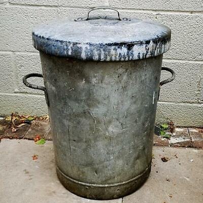Heavy Old Vintage lidded galvanised Dustbin Garden Planter Tub Storage