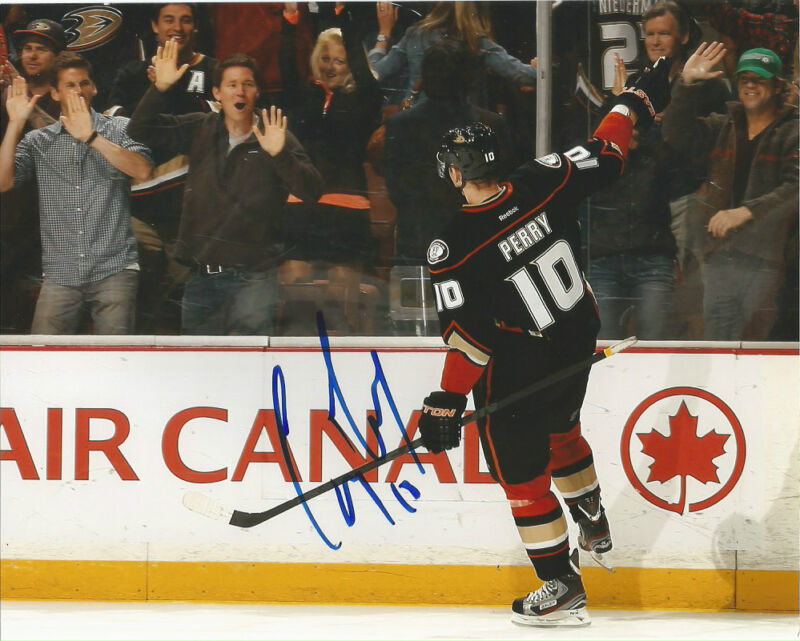Anaheim Ducks Corey Perry Signed Autographed 8x10 Photo COA C