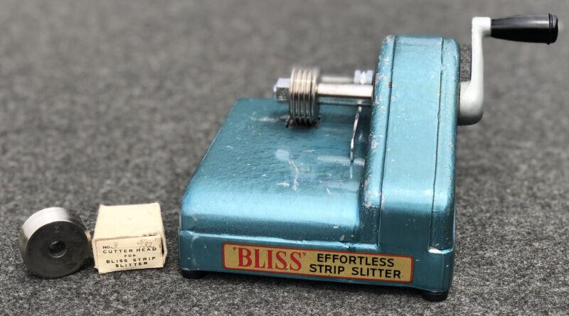 Vintage FRASER RUGS Effortless Strip Slitter W/ Used #3 3/32 & #4 4/32 🧵🧶