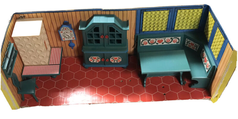 VTG ORIGINAL SET OF MODELLA KITCHEN DOLLHOUSE FURNITURE KIDS TOYS