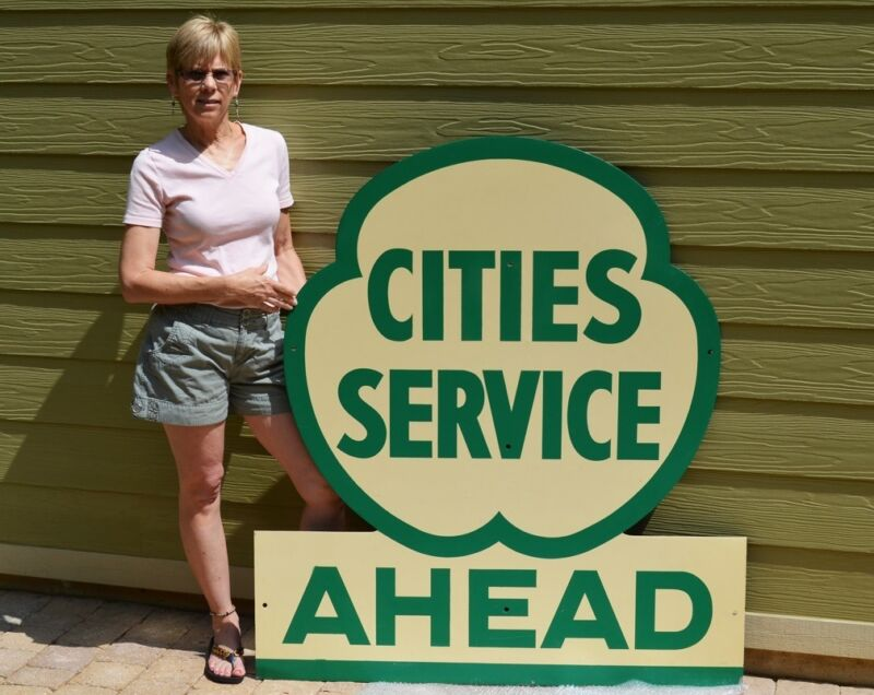 """VINTAGE CITIES SERVICE """"CLOVERLEAF"""" DIECUT SIGN SUPER COLLECTABLE PIECE MINTY!"""