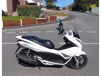 2011 Honda PCX 125 Scooter White